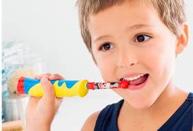 Как выбрать детскую зубную щётку